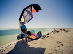 Kitesurfing_portrait_Dakhla_Karim_Chioua_001